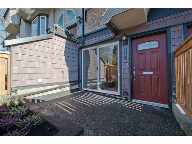 Photo 10: 2310 VINE Street in Vancouver: Kitsilano Townhouse for sale (Vancouver West)  : MLS® # V1045523
