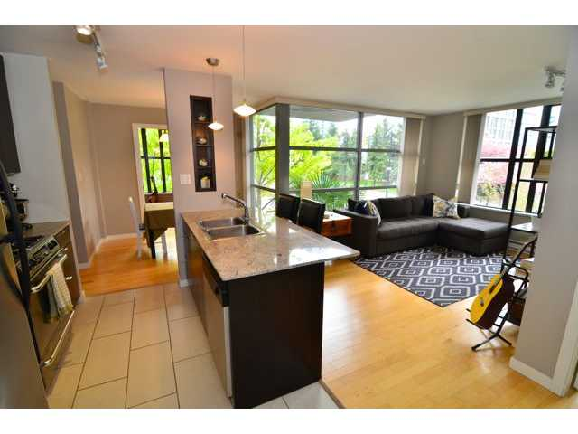 "Main Photo: 206 989 BEATTY Street in Vancouver: Yaletown Condo for sale in ""The Nova"" (Vancouver West)  : MLS® # V1046613"