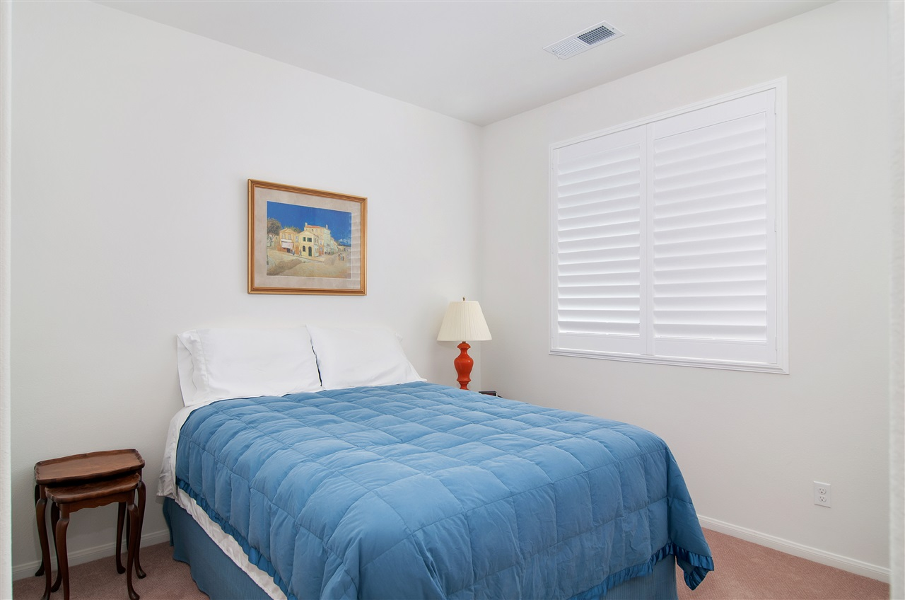 Photo 12: LAKE SAN MARCOS Townhome for sale : 3 bedrooms : 1646 Waterlily Way in San Marcos
