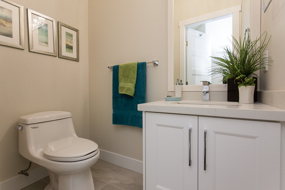"Photo 4: LT.4B 14388 103 Avenue in Surrey: Whalley Townhouse for sale in ""THE VIRTUE"" (North Surrey)  : MLS® # R2043957"