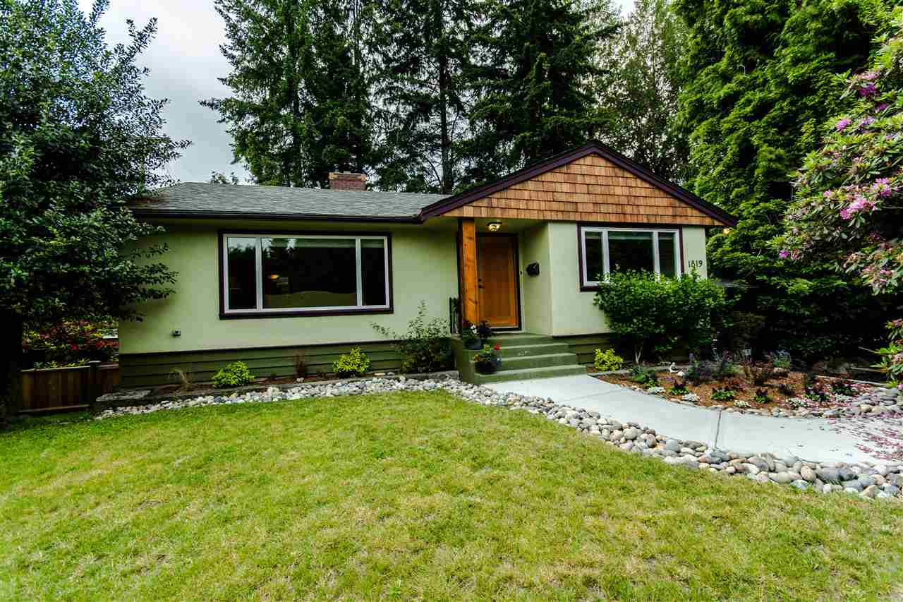 Main Photo: 1819 MOUNTAIN Highway in North Vancouver: Westlynn House for sale : MLS®# R2075463