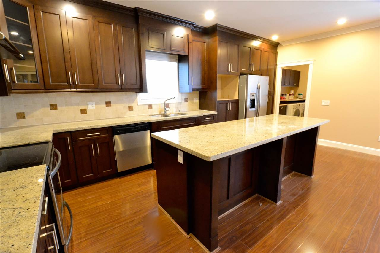 Photo 7: 5922 128 Street in Surrey: Panorama Ridge House for sale : MLS(r) # R2077660
