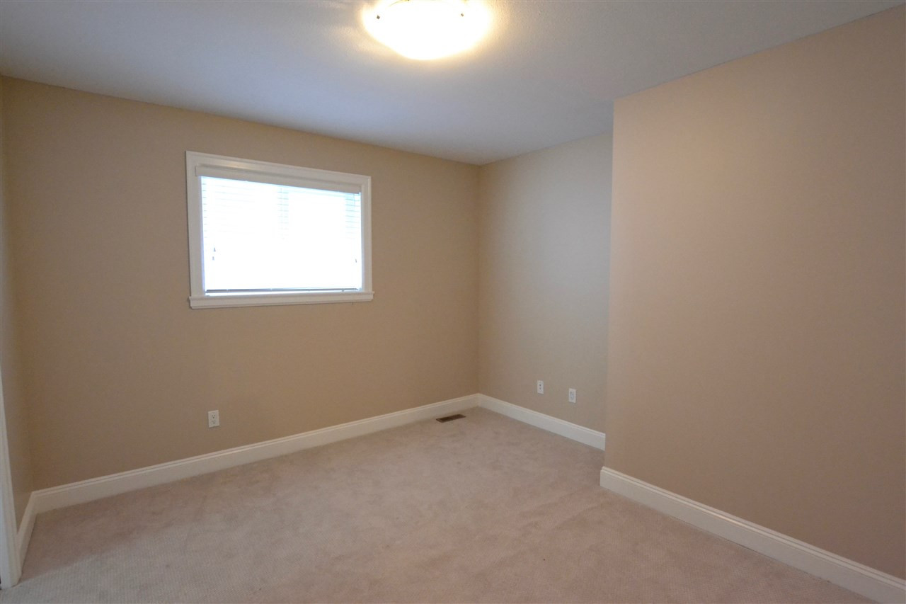 Photo 13: 5922 128 Street in Surrey: Panorama Ridge House for sale : MLS(r) # R2077660