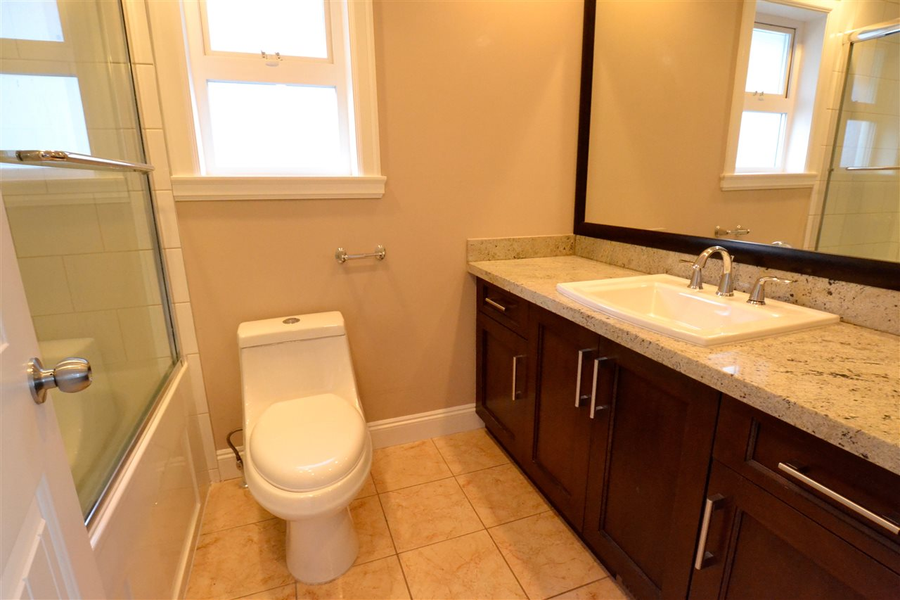 Photo 12: 5922 128 Street in Surrey: Panorama Ridge House for sale : MLS(r) # R2077660