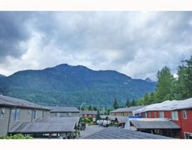"Main Photo: 10 41450 GOVERNMENT Road in Squamish: Brackendale Townhouse for sale in ""EAGLEVIEW PLACE"" : MLS®# R2087529"