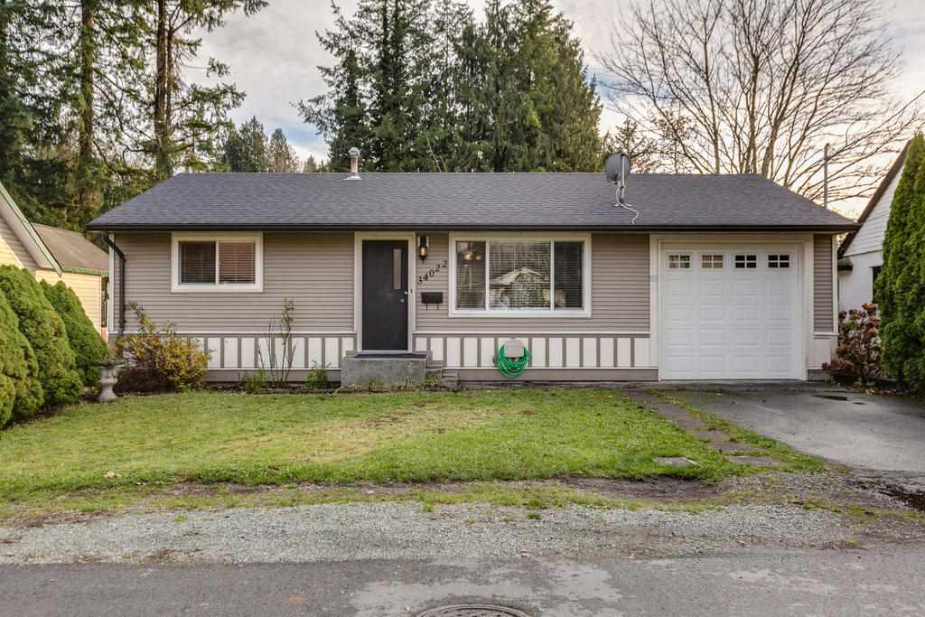 2 year old roof, vinyl windows, hardy board & vinyl siding, flat lot, ample parking and great curb appeal. Move in ready.