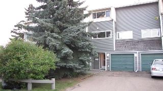 Main Photo: 987 MILLBOURNE Road E in Edmonton: Zone 29 Townhouse for sale : MLS(r) # E4047886