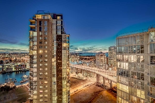 "Main Photo: 2701 1495 RICHARDS Street in Vancouver: Yaletown Condo for sale in ""AZURA II"" (Vancouver West)  : MLS(r) # R2137355"