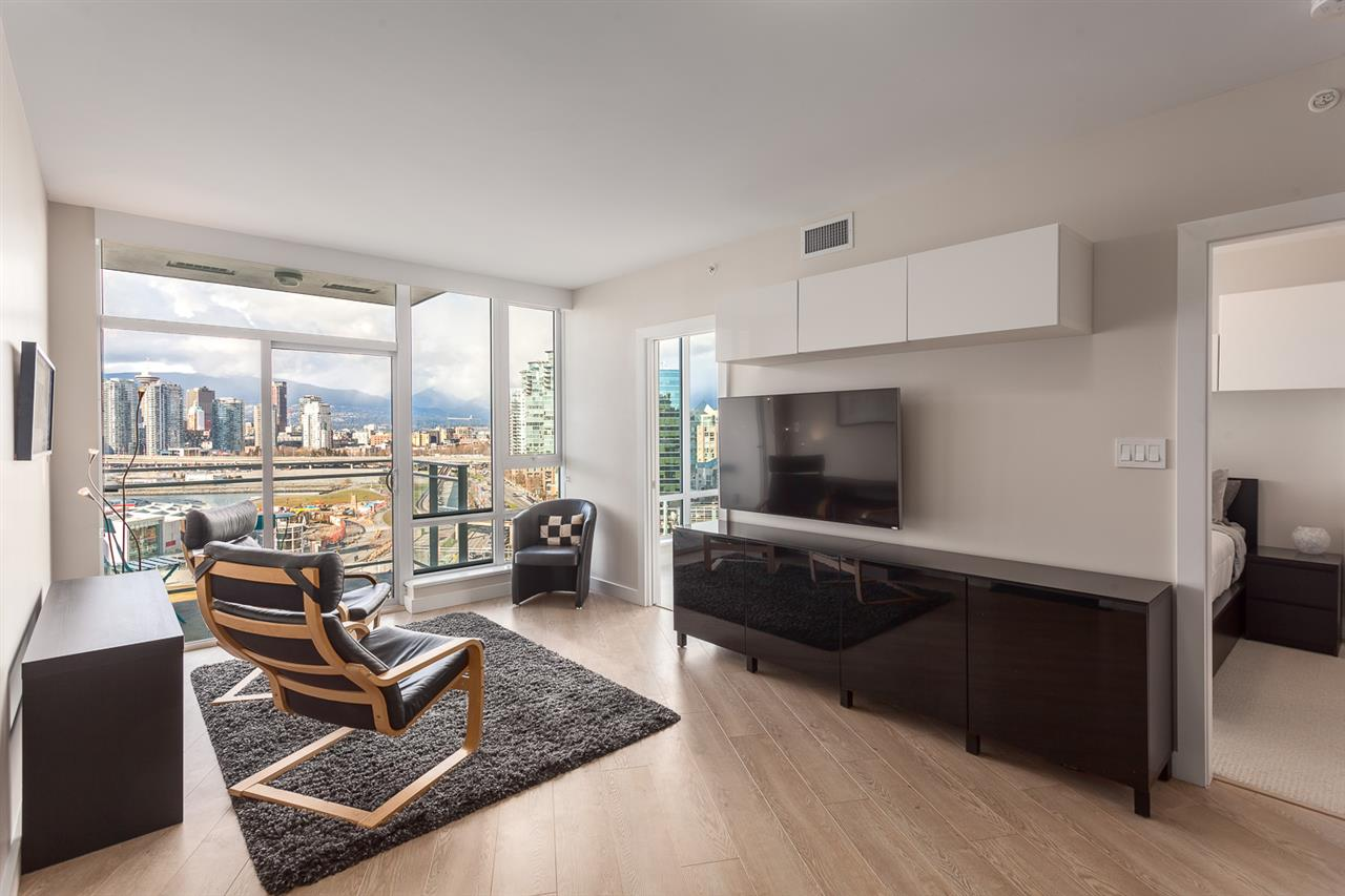 Photo 8: 1706 1618 QUEBEC Street in Vancouver: Mount Pleasant VE Condo for sale (Vancouver East)  : MLS® # R2141441