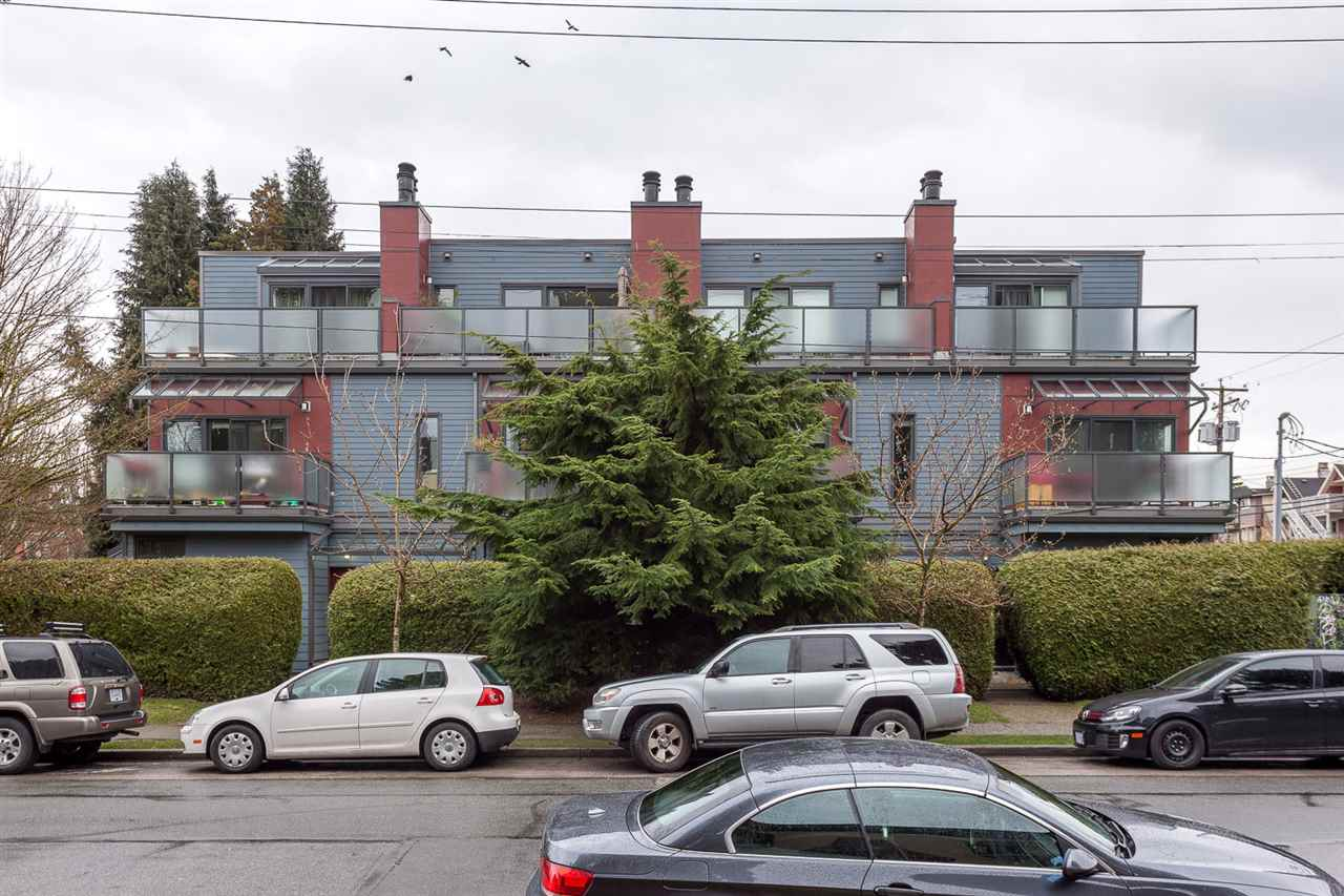Main Photo: 1612 MAPLE Street in Vancouver: Kitsilano Townhouse for sale (Vancouver West)  : MLS(r) # R2149926
