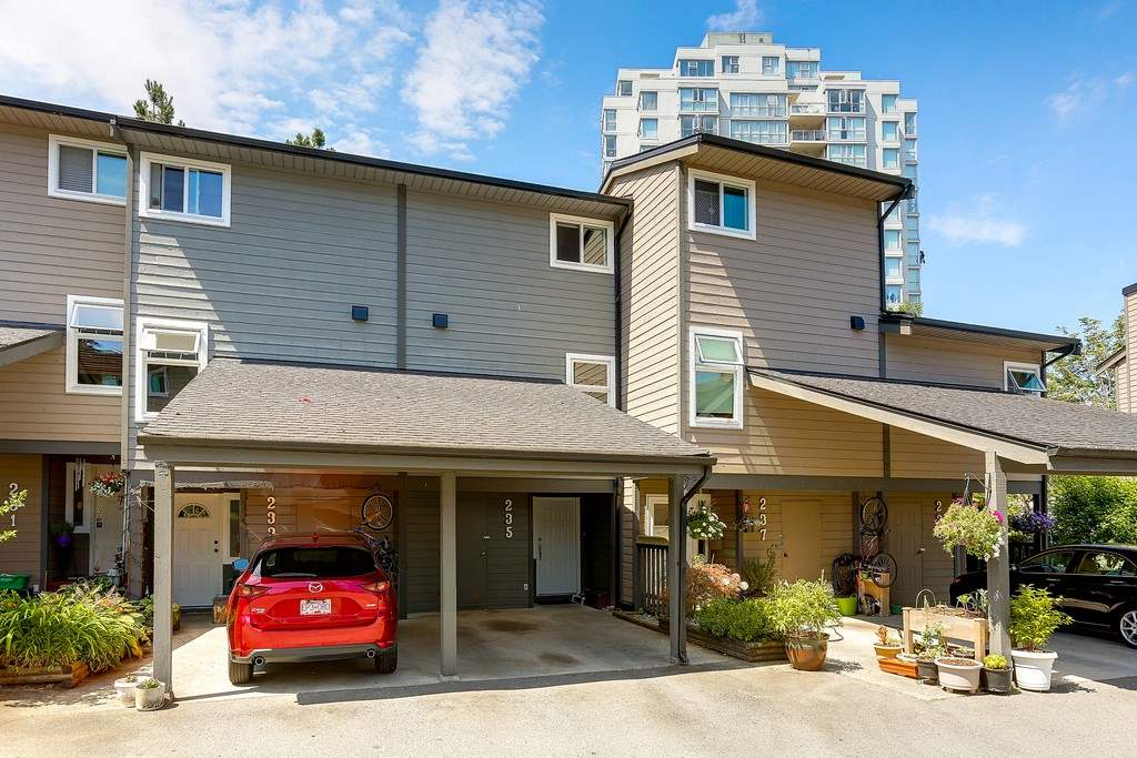 "Main Photo: 235 BALMORAL Place in Port Moody: North Shore Pt Moody Townhouse for sale in ""BALMORAL PLACE"" : MLS(r) # R2189669"