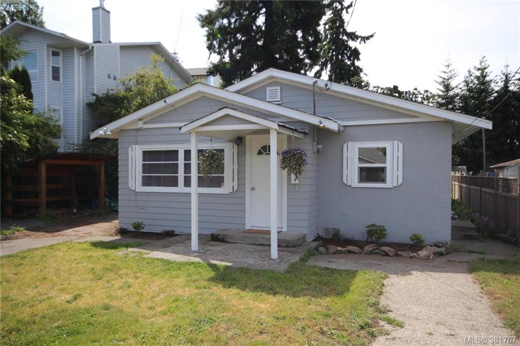 Main Photo: 631 Hoffman Avenue in VICTORIA: La Mill Hill Single Family Detached for sale (Langford)  : MLS®# 381707