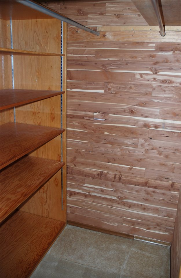 Very nice cedar closet on upper level.