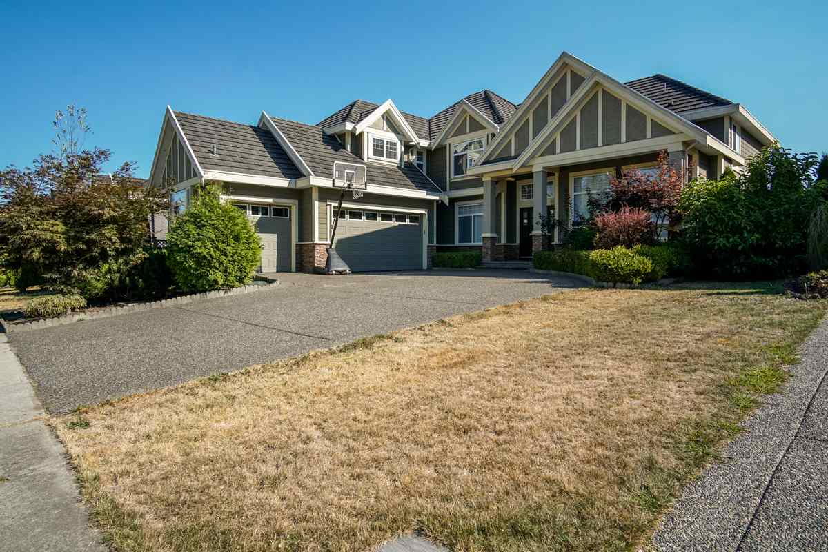 "Main Photo: 16712 92A Avenue in Surrey: Fleetwood Tynehead House for sale in ""Tynehead"" : MLS®# R2200517"