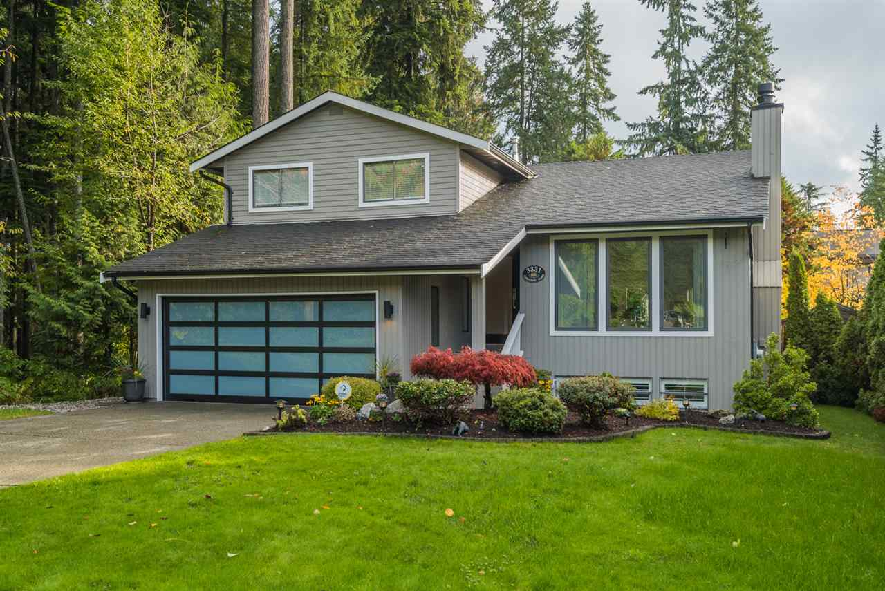 "Main Photo: 3331 ROBINSON Road in North Vancouver: Lynn Valley House for sale in ""Fromme"" : MLS® # R2216203"