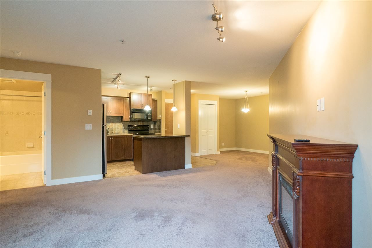 "Main Photo: 103 2955 DIAMOND Crescent in Abbotsford: Abbotsford West Condo for sale in ""Westwood"" : MLS® # R2236784"