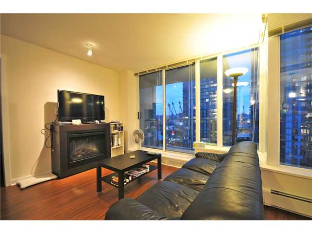 Photo 2: 2101 188 KEEFER Place in Vancouver: Downtown VW Condo for sale (Vancouver West)  : MLS(r) # V872781