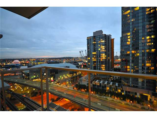 Photo 6: 2101 188 KEEFER Place in Vancouver: Downtown VW Condo for sale (Vancouver West)  : MLS(r) # V872781