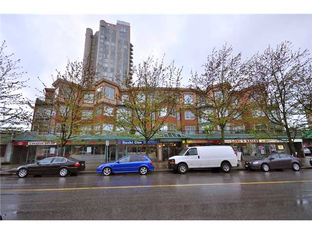 "Main Photo: 310 131 W 3RD Street in North Vancouver: Lower Lonsdale Condo for sale in ""Seascape Landing"" : MLS®# V887354"