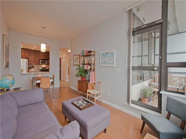 "Main Photo: # 707 1010 HOWE ST in Vancouver: Downtown VW Condo for sale in ""1010 HOWE"" (Vancouver West)  : MLS® # V1040637"