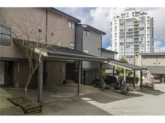 Main Photo: 250 BALMORAL Place in Port Moody: North Shore Pt Moody Townhouse for sale : MLS®# V1054135