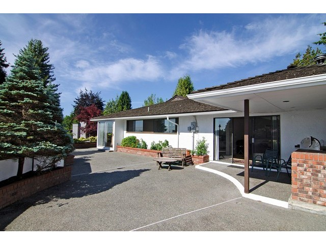 Photo 18: 91 BONNYMUIR Drive in West Vancouver: Glenmore House for sale : MLS(r) # V1127395