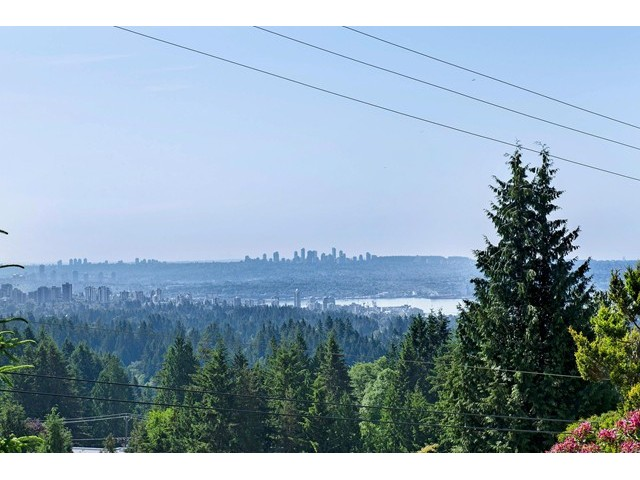 Photo 20: 91 BONNYMUIR Drive in West Vancouver: Glenmore House for sale : MLS(r) # V1127395