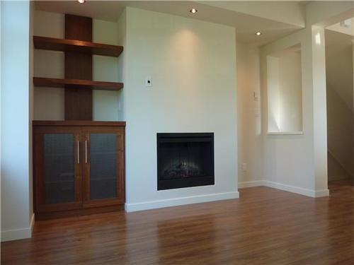 Photo 3: 3752 WELWYN Street in Vancouver East: Victoria VE Home for sale ()  : MLS® # V846250