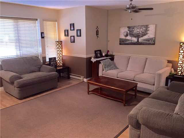 "Photo 3: 26 21491 DEWDNEY TRUNK Road in Maple Ridge: West Central Townhouse for sale in ""DEWDNEY WEST"" : MLS(r) # V1138395"