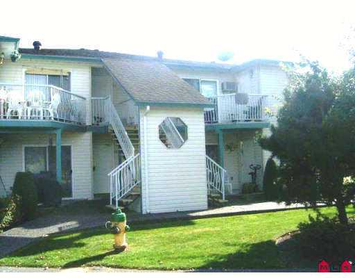 "Main Photo: 45640 STOREY Ave in Sardis: Sardis West Vedder Rd Townhouse for sale in ""WHISPERING PINES"" : MLS® # H2603826"