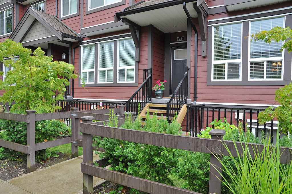 "Main Photo: 27 14877 60 Avenue in Surrey: Sullivan Station Townhouse for sale in ""Lumina"" : MLS® # R2052285"