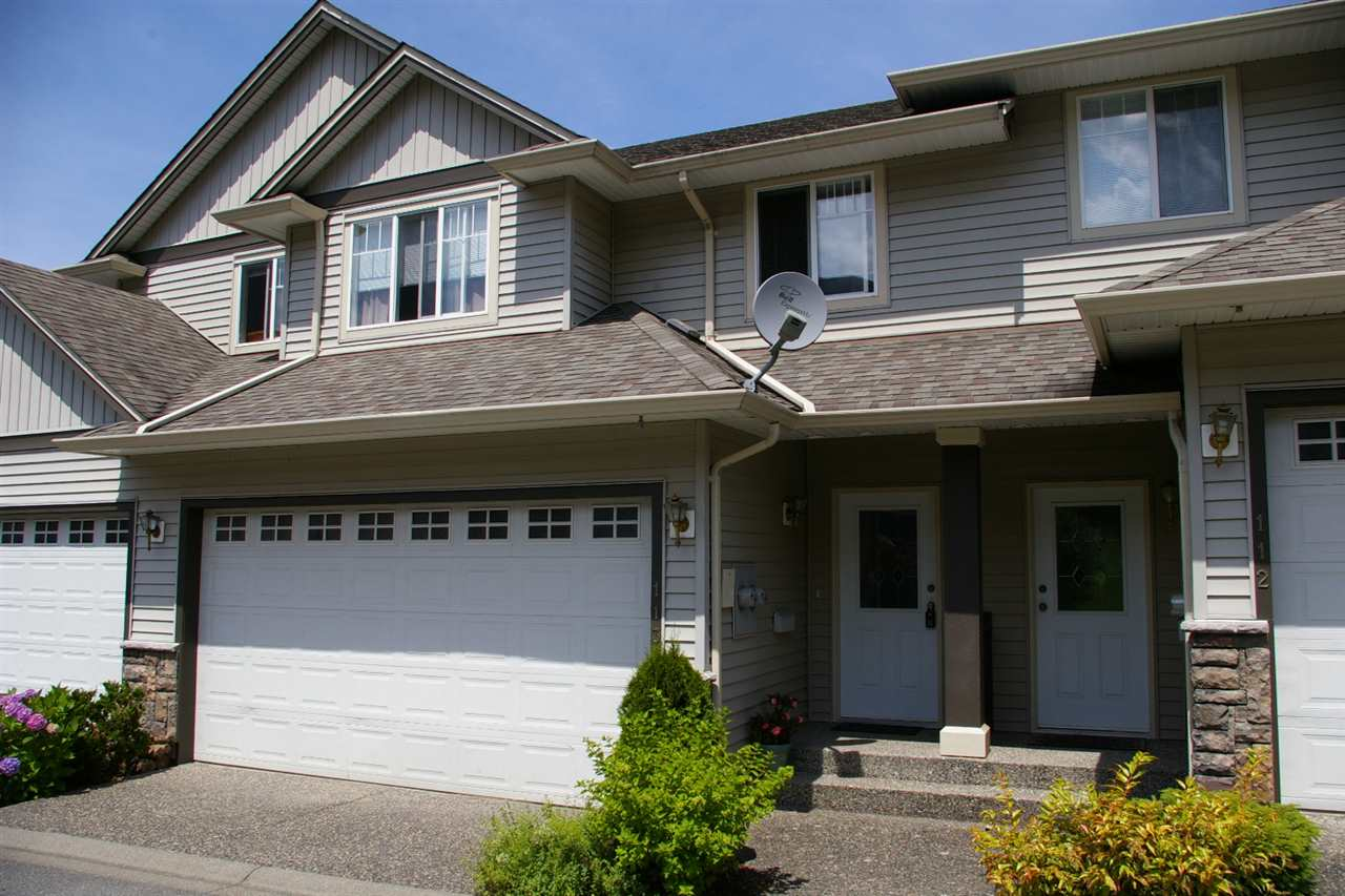 Main Photo: 113 46360 VALLEYVIEW Road in Sardis: Promontory Townhouse for sale : MLS® # R2081875