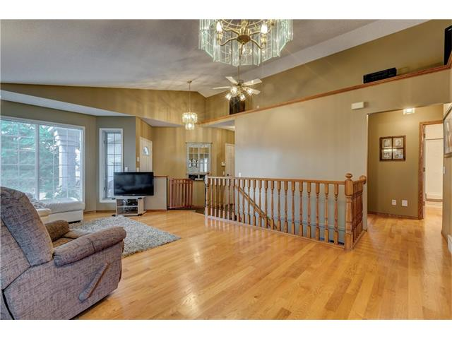 Photo 4: 216 CITADEL HILLS Place NW in Calgary: Citadel House for sale : MLS(r) # C4072554