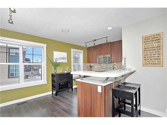 Photo 8: 804 MCKENZIE TOWNE Common SE in Calgary: McKenzie Towne House for sale : MLS(r) # C4084559