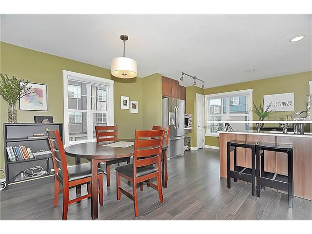 Photo 6: 804 MCKENZIE TOWNE Common SE in Calgary: McKenzie Towne House for sale : MLS(r) # C4084559
