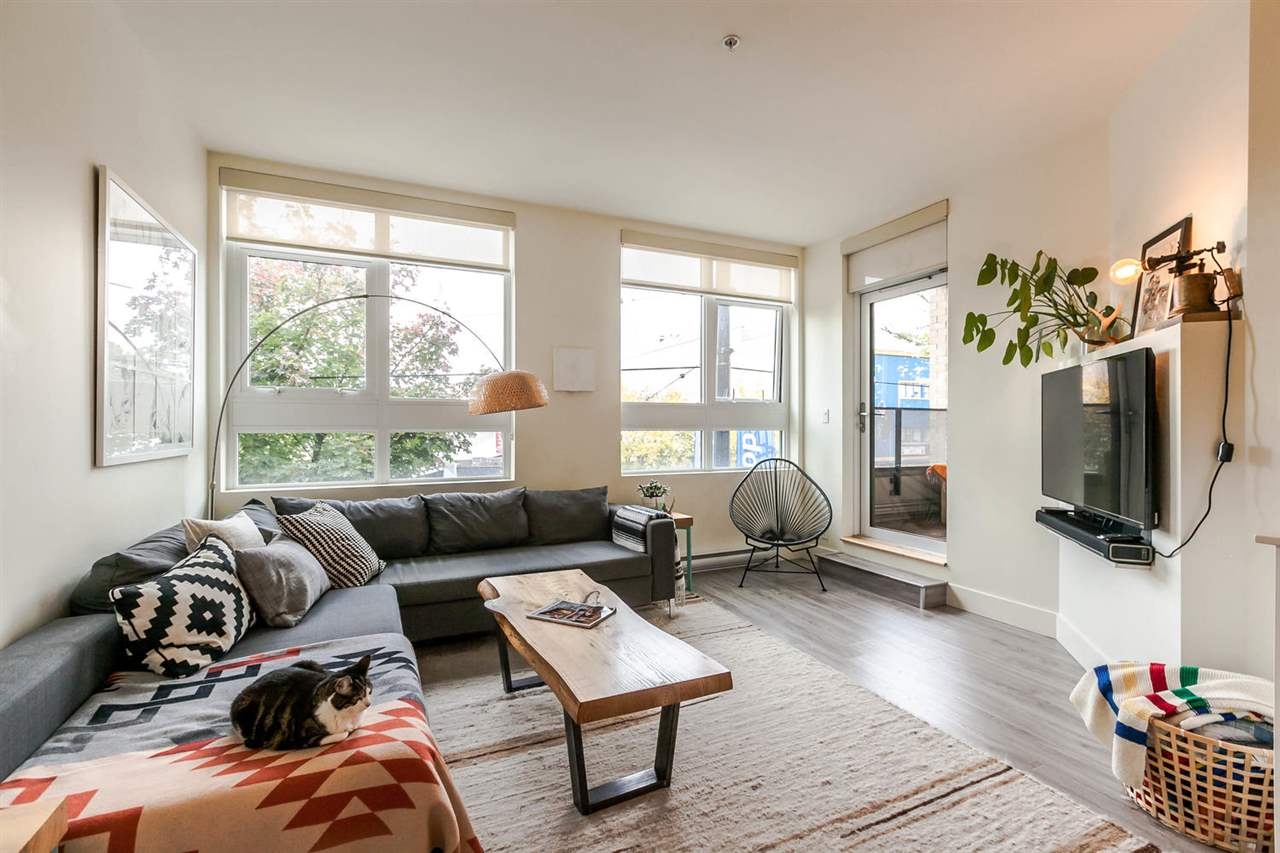 "Photo 8: 220 2250 COMMERCIAL Drive in Vancouver: Grandview VE Condo for sale in ""MARQUEE"" (Vancouver East)  : MLS® # R2115569"