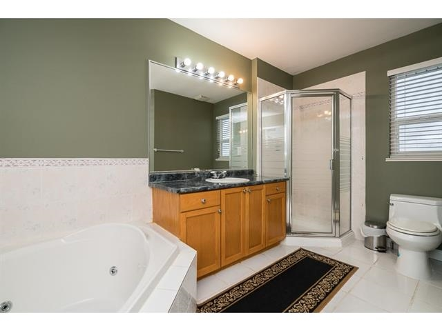 Photo 15: 3537 SUMMIT Drive in Abbotsford: Abbotsford West House for sale : MLS(r) # R2140843
