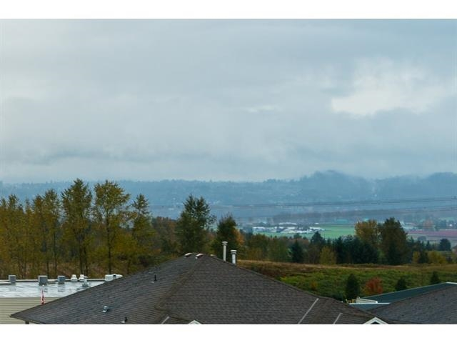 Photo 2: 3537 SUMMIT Drive in Abbotsford: Abbotsford West House for sale : MLS(r) # R2140843