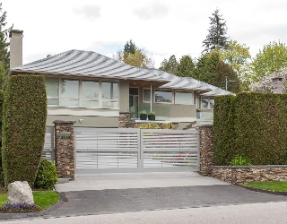 "Main Photo: 3179 W 49TH Avenue in Vancouver: Southlands House for sale in ""SOUTHLANDS"" (Vancouver West)  : MLS(r) # R2157202"