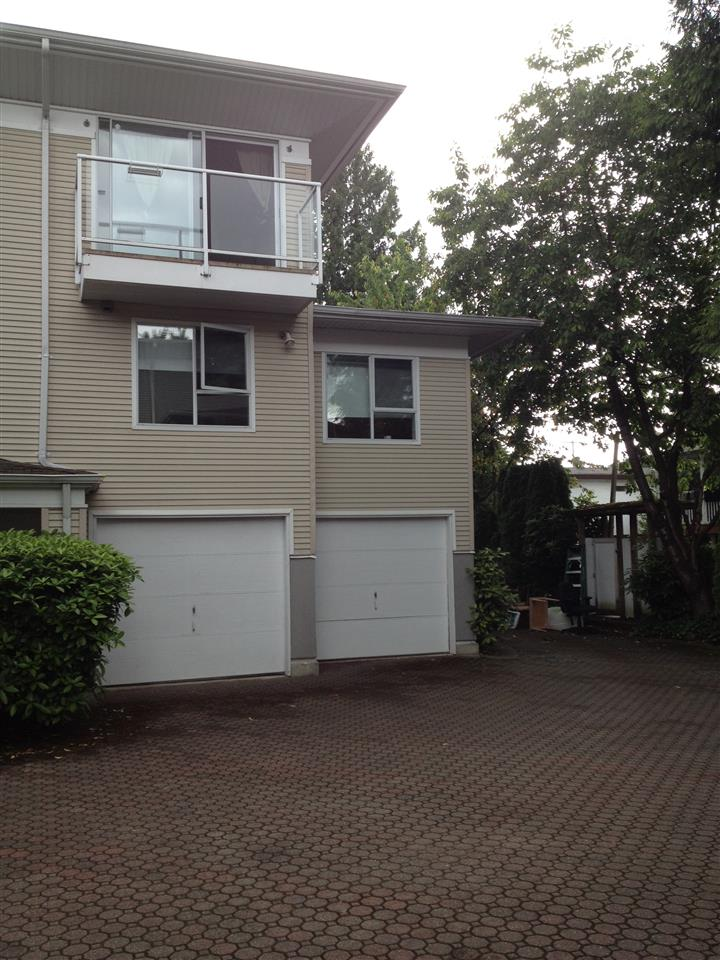 "Main Photo: 2 1570 E 22ND Avenue in Vancouver: Knight Townhouse for sale in ""FLEMING LANE"" (Vancouver East)  : MLS(r) # R2174004"