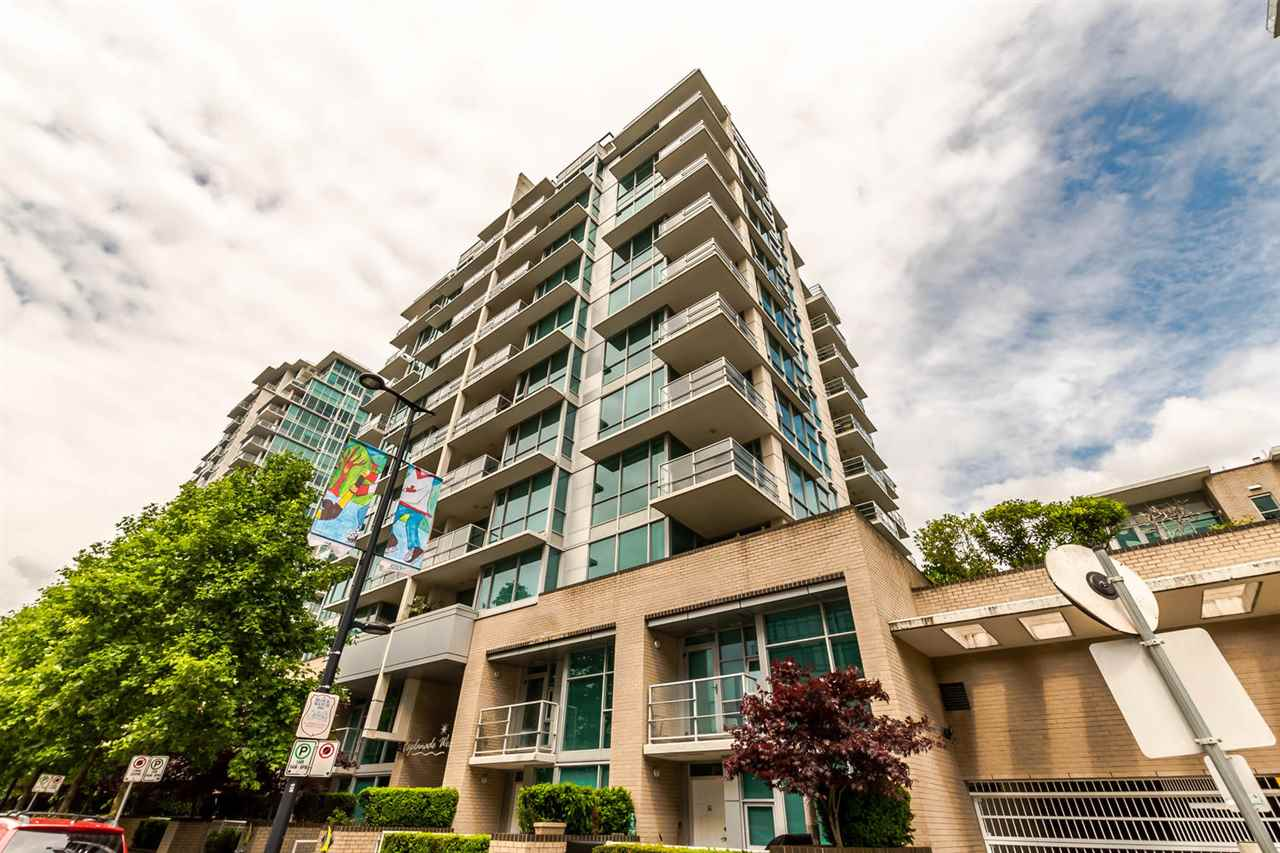 "Main Photo: 802 168 E ESPLANADE in North Vancouver: Lower Lonsdale Condo for sale in ""Esplanade West at the Pier"" : MLS(r) # R2174165"