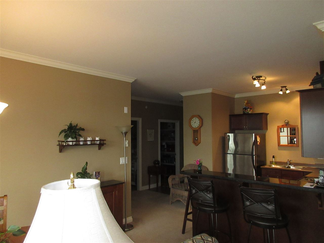 "Photo 5: 303 46053 CHILLIWACK CENTRAL Road in Chilliwack: Chilliwack E Young-Yale Condo for sale in ""The Tuscany"" : MLS(r) # R2175379"
