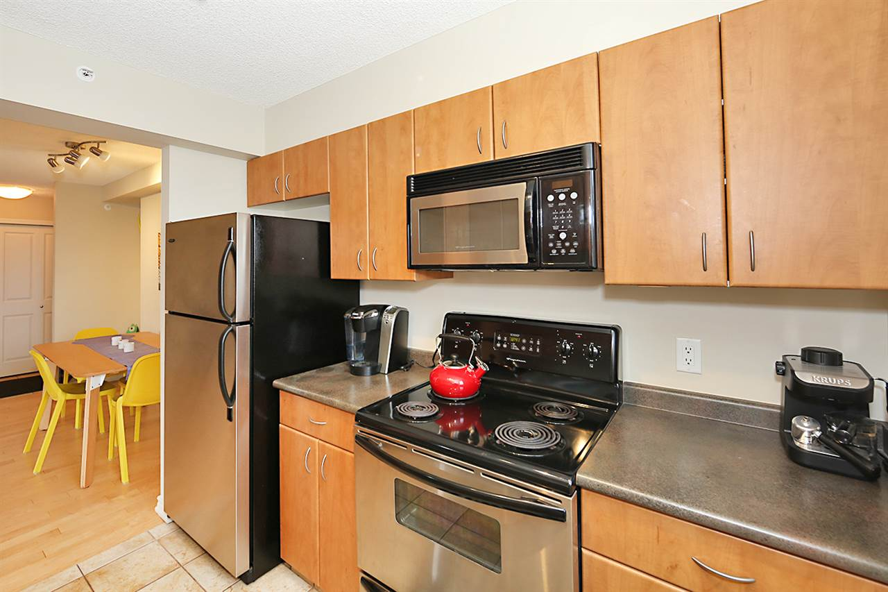 Photo 17: 402 10303 105 Street in Edmonton: Zone 12 Condo for sale : MLS® # E4069753