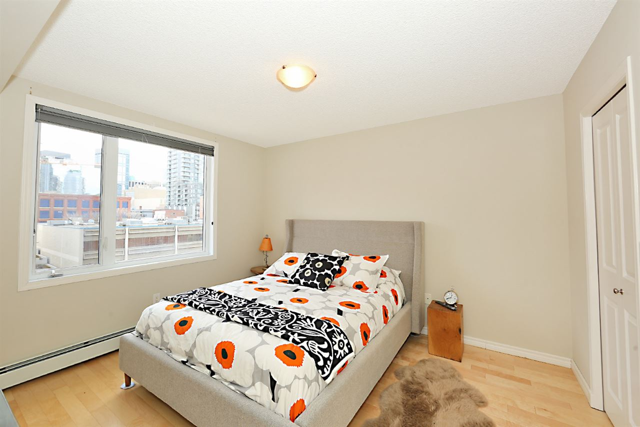 Photo 9: 402 10303 105 Street in Edmonton: Zone 12 Condo for sale : MLS® # E4069753