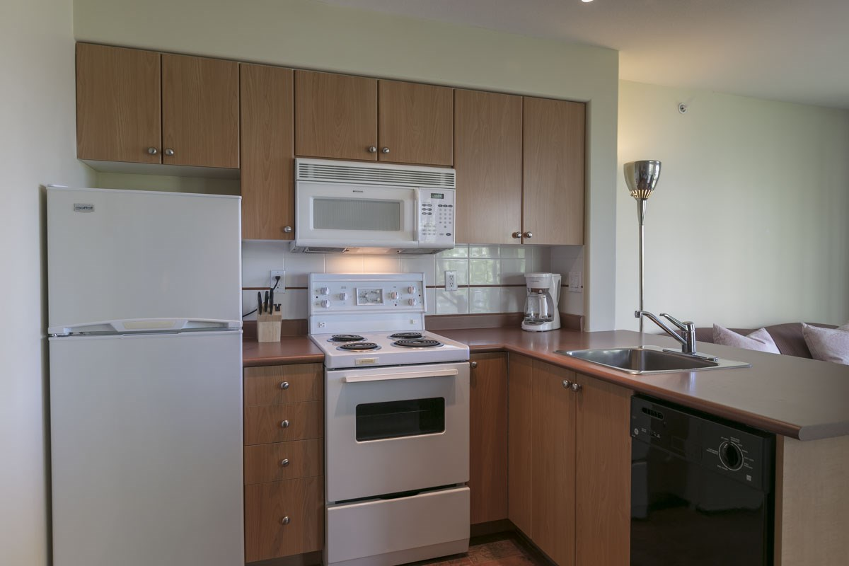Efficient Fully Equipped Kitchen