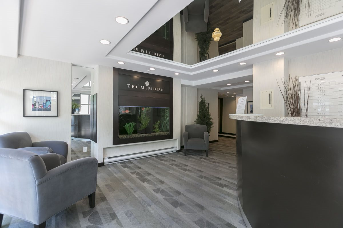 910 Beach Ave. Lobby & Concierge Desk
