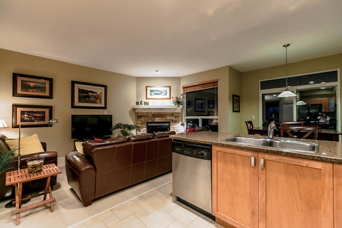 "Photo 8: 133 FERNWAY Drive in Port Moody: Heritage Woods PM House 1/2 Duplex for sale in ""ECHO RIDGE"" : MLS® # R2204262"