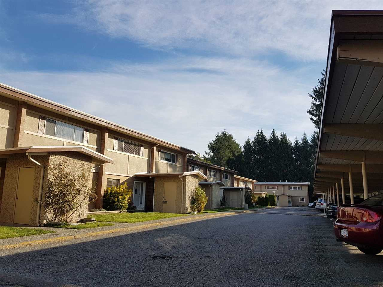 "Photo 2: Photos: 5 2048 MCCALLUM Road in Abbotsford: Central Abbotsford Townhouse for sale in ""Garden Court Estates"" : MLS® # R2217932"
