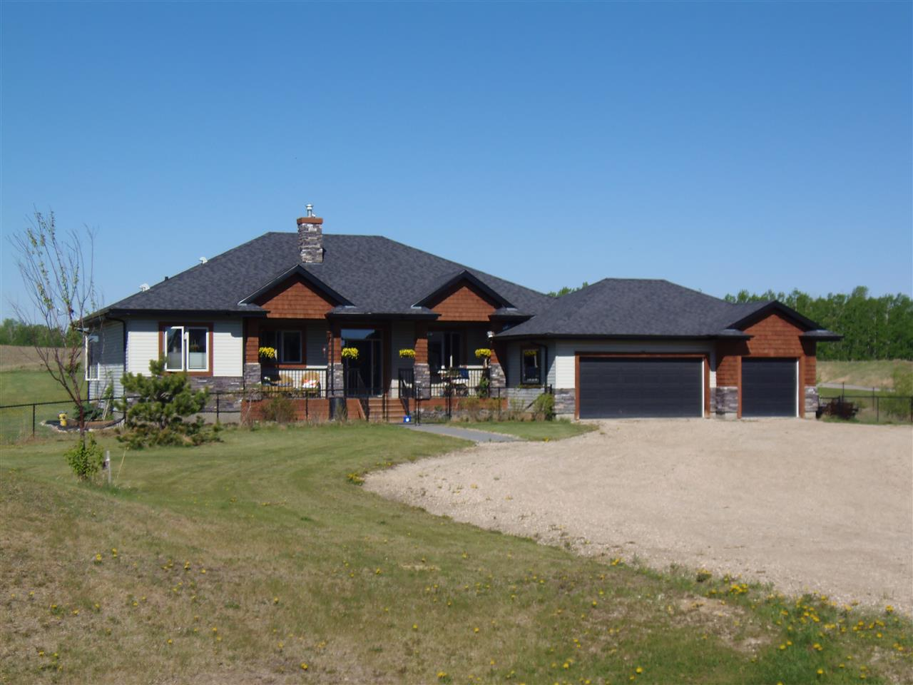 Main Photo: 8 1307 TWP RD 533 Road: Rural Parkland County House for sale : MLS®# E4095739