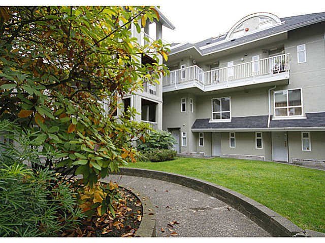 "Main Photo: 116 1570 PRAIRIE Avenue in Port Coquitlam: Glenwood PQ Townhouse for sale in ""VIOLAS ON PRAIRIE"" : MLS®# V1032649"